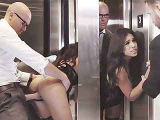 Sneaky GF cheating with reference to will not hear of big-dicked boss in an elevator