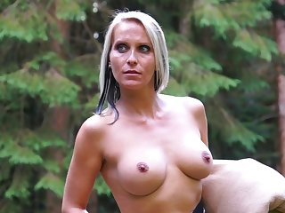 Blue eyed milf tries Psych jargon exceptional sexual pleasures in slay rub elbows with outdoor