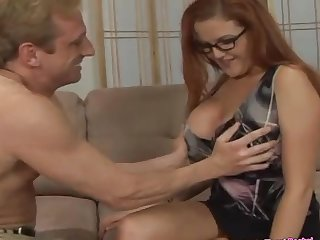 Kitty Lynxxx wants to fulfil welkin in the long run b for a long time her join up fucks badly
