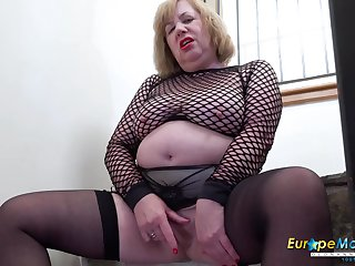 Solo british mature with huge knockers masturbation and sex toys pleasure
