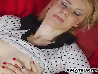 Young Guy Fucks Amateur Girl On The Overheated Sofa