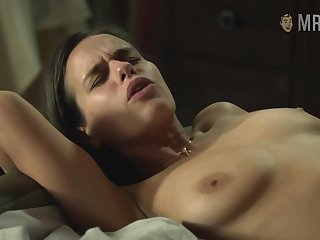 Having flashed tits respecting some nude scenes Anna Sieklucka will blow your mind
