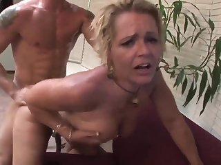 Imbecile Lovemaking Surrounding Steamy Mommy - Kelly Leigh