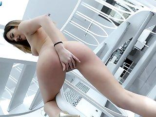 Sexy cock nut Penelope Cum proffers the best POV blowjob