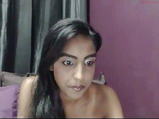 Webcam go-go Desi nympho flashes her big saggers
