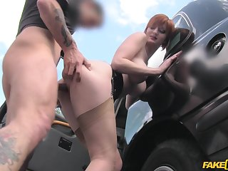 Sluttish redhead Zara Durose makes an unexpected connection close by a cabbie