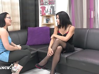 La France A Poil - Casting Couch Be expeditious for A Inviting Barmaid Ge