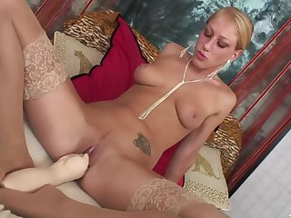 Super sexy fucking with beautiful blonde bombshell Diane Darling