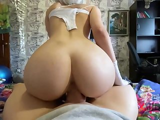 Steamy blondie is deep-throating penis like a real professional plus opening up up to obtain screwed deceased
