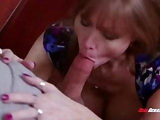 hot mom Darla Davit sucking cock